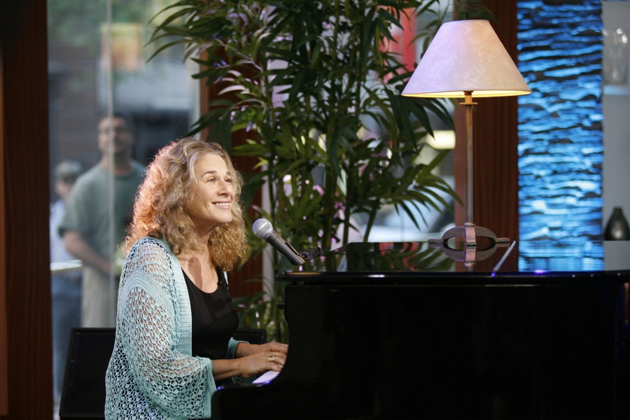The living room tour australia 2006 carole king for Carole king living room tour